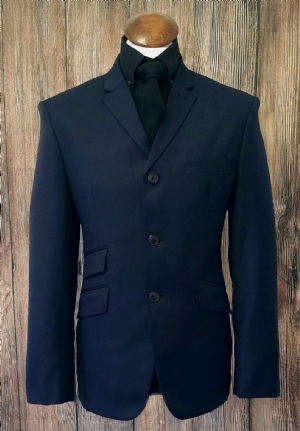 This Navy suit Only  38L Chest 32 Trouser/ leg 32